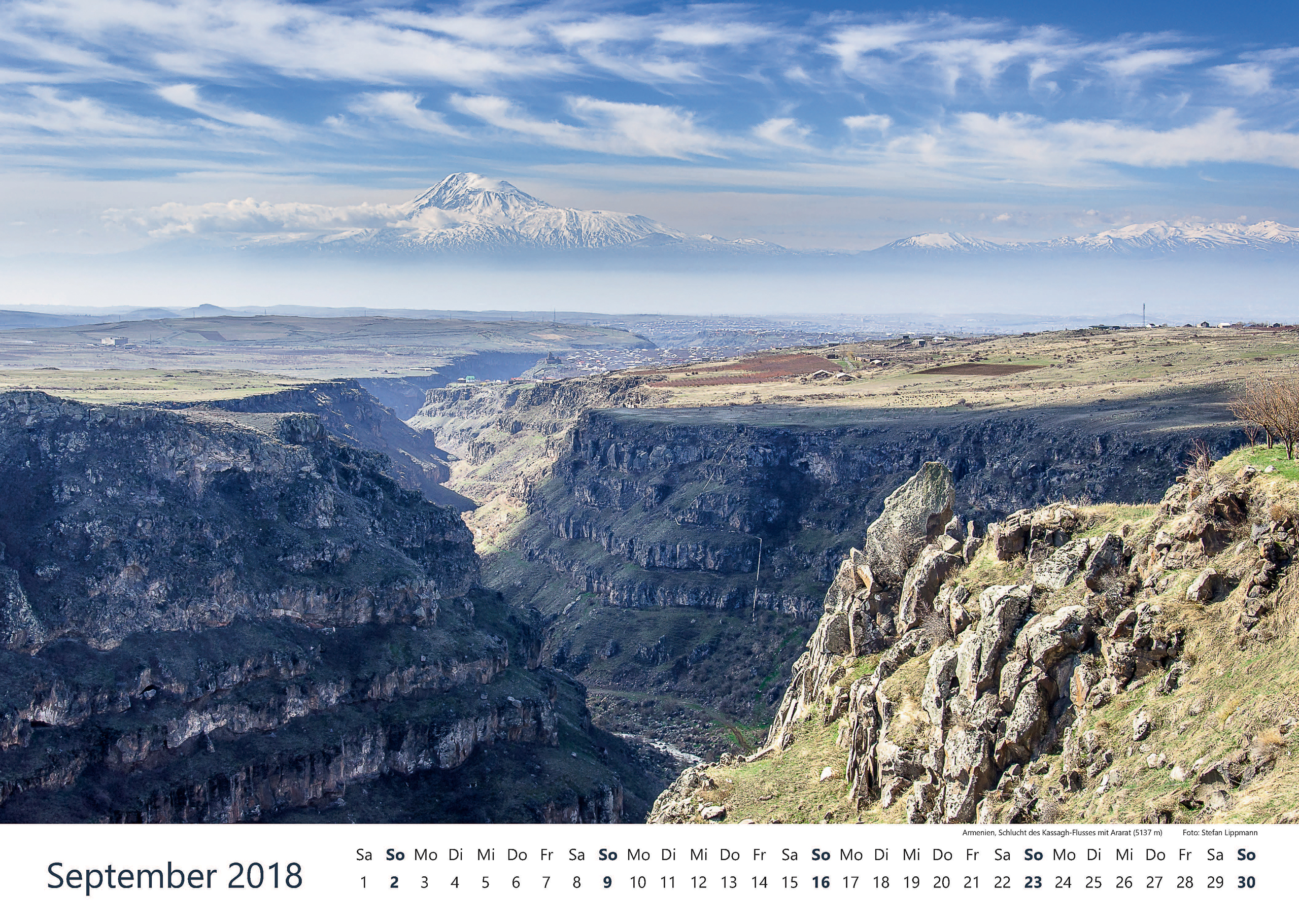 Armenien, Schlucht des Kassagh-Flusses mit Ararat (5137 m)